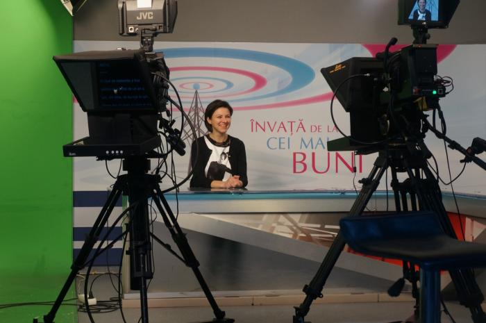 După trei luni cu 90% practică, cursanții Intact Media Academy sunt pregătiți pentru o carieră în televiziune!