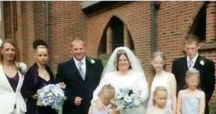 Caz incredibil! A fost arestată după ce a pus pe Facebook poze de la nuntă. Motivul?!