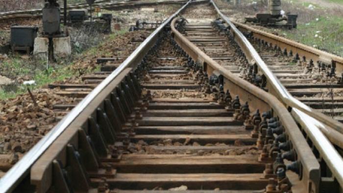 Accident feroviar: Maşină lovită de tren la bariera BJATM din Iaşi