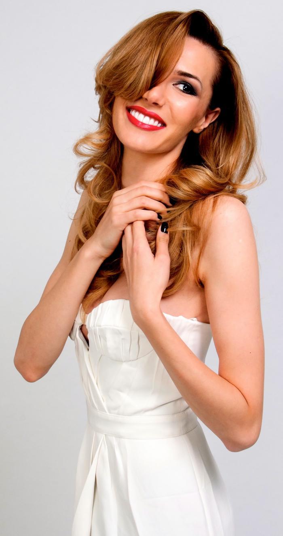 Janina Nectara - prima româncă ce scrie pentru Vogue