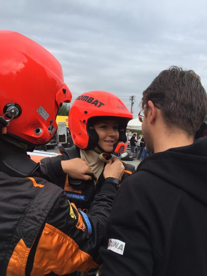 Prezentatoarea Observator Special de la Antena 1, Octavia Geamănu, pilot de raliu la Sibiu