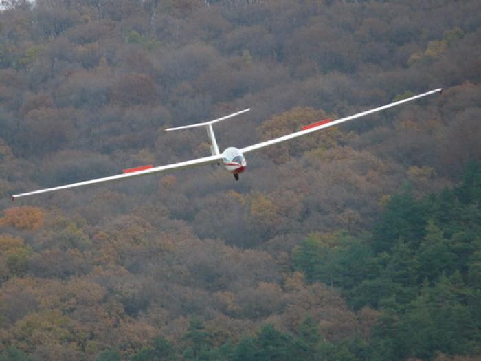 Update! Pilotul avionului prăbușit între Argeș și Brașov, găsit mort