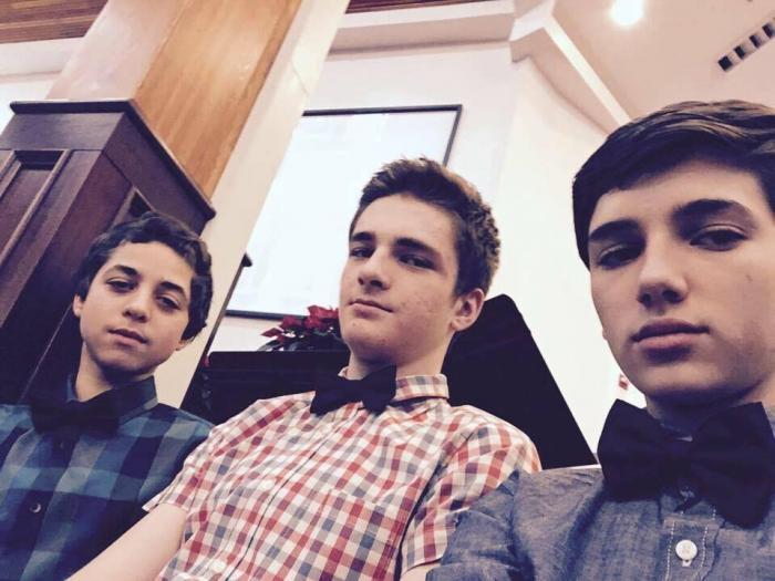 DRAMĂ ROMÂNEASCĂ ÎN SUA: 5 adolescenţi români, victimele unui accident groaznic. Tinerii erau la colindat, la comunitatea de români din Oregon (VIDEO)