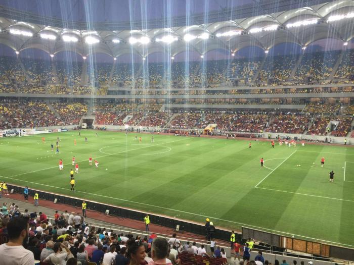 """Derby-ul Steaua - Dinamo rămâne unic pentru România. Coregrafie """"de sezon"""", la bustul gol (FOTO)"""