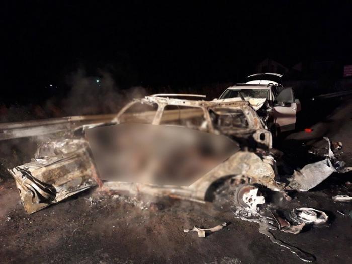 """MĂRTURIE HALUCINANTĂ în cazul tinerilor ARŞI DE VII în cumplitul accident din Suceava: """"I-am auzit ţipând! Maşina a luat foc instantaneu"""" (VIDEO ŞOCANT)"""