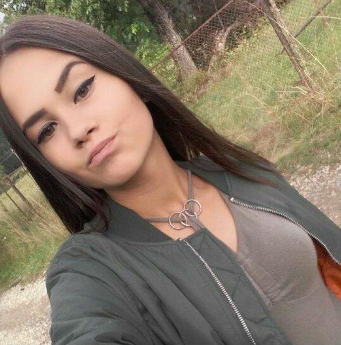 A fost identificată A CINCEA VICTIMĂ a carnagiului din Suceava! Simona A ARS DE VIE împreună cu alţi patru tineri într-un cumplit accident de maşină (VIDEO)