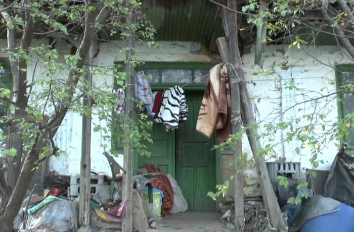 Caz dramatic în Neamț! O tânără de 26 de ani a fost găsită ÎNGHEȚATĂ în podul casei, unde se refugiase de teama tatălui (VIDEO)