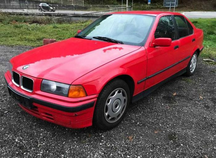 Maşini ieftine scoase la vânzare de ANAF! BMW şi Opel la preţuri care încep de la 450 de lei!