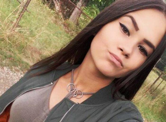 Ultimul drum pentru Simona! Adolescenta care a ars de vie în carnagiul din Suceava, înmormântată în rochie de mireasă (VIDEO)