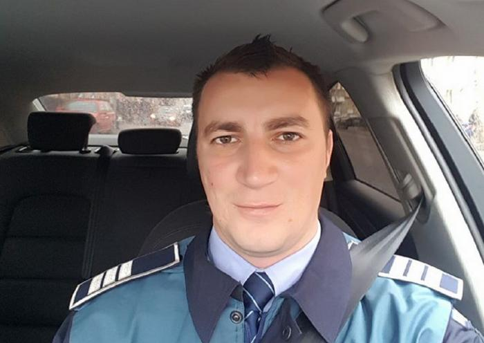 Cât costă CIORBA DE PUI, la cantina MAI? Poliţistul Marian Godină a postat pe Facebook bonul fiscal (FOTO)