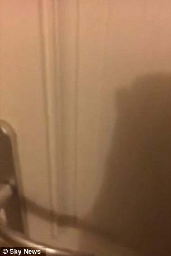 DIRECT DIN INFERN! O mamă a transmis LIVE, pe Facebook, IMAGINI TERIFIANTE din interiorul Grenfell Tower. Femeia şi cei doi copii ai ei au ARS DE VII în incendiu (VIDEO DRAMATIC)