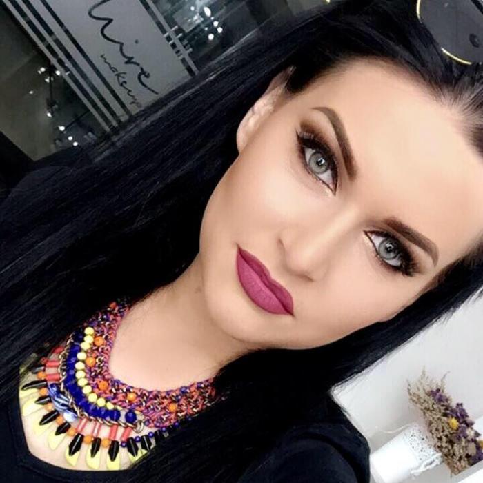 Româncă de 23 de ani în stare gravă: STROPITĂ CU BENZINĂ şi INCENDIATĂ în restaurantul Transilvania, din Paris! Lidia e arsă pe aproape tot corpul
