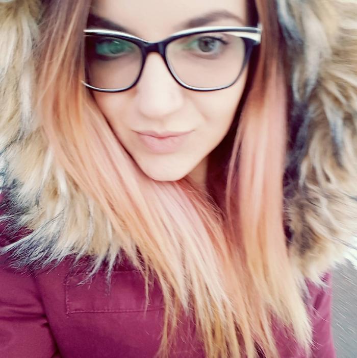 Zbor frânt la numai 19 ani. Iuliana, o elevă model din Vaslui care își dorea să ajungă polițist, a murit inexplicabil (Foto)
