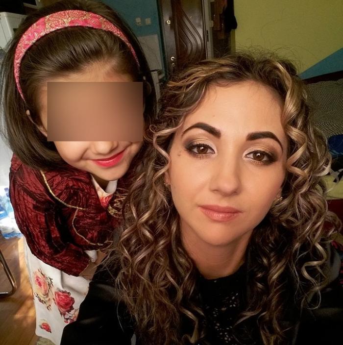 Alina, tânăra mamă a unei fetițe, se zbate între viață și moarte în urma accidentului de la Oradea: 'Trebuie să fii puternică pentru Ada!'