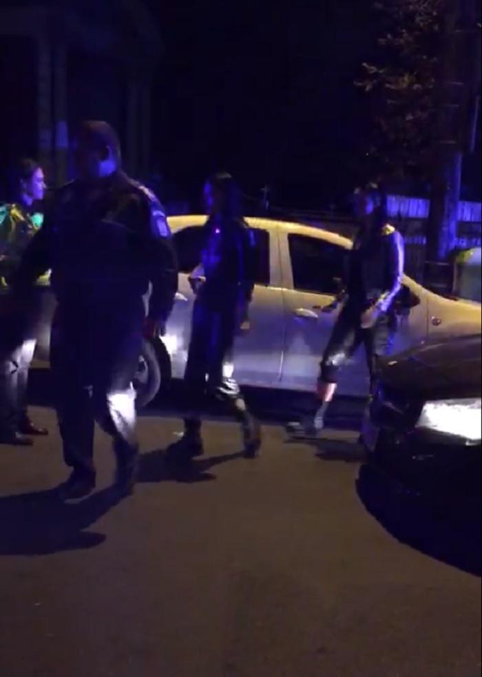 O tânără de 19 ani a fost prinsă drogată la volan pe Splaiul Unirii din București. Polițiștii au oprit-o pentru că circula cu viteză (Video)