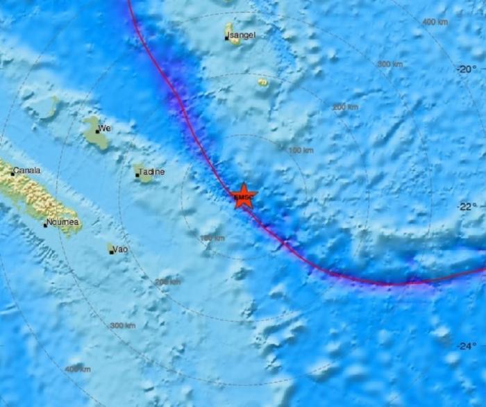 Seismul a avut loc la mică adâncime, fiind emisă o alertă de tsunami