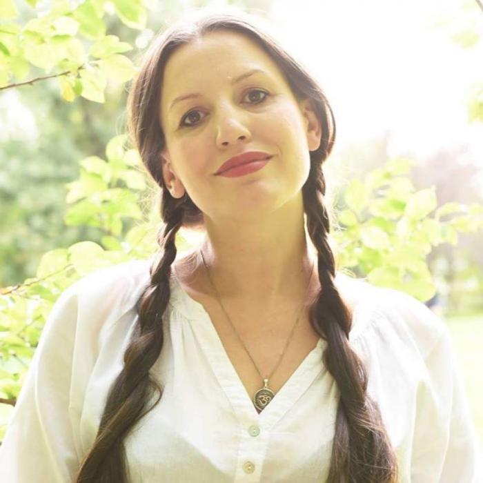 Nicoleta Botan, tânăra înjunghiată într-o grădiniță din București, a fost înmormântată în orașul natal (Foto)