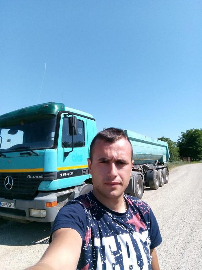 Singurul copil al unei familii de gospodari din Tîrnova a murit sub ochii părinţilor lui, în timp ce îi ajuta la muncile câmpului