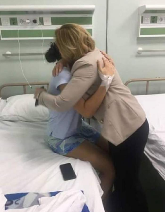 Primele imagini cu femeia-jandarm, aflată pe patul de spital