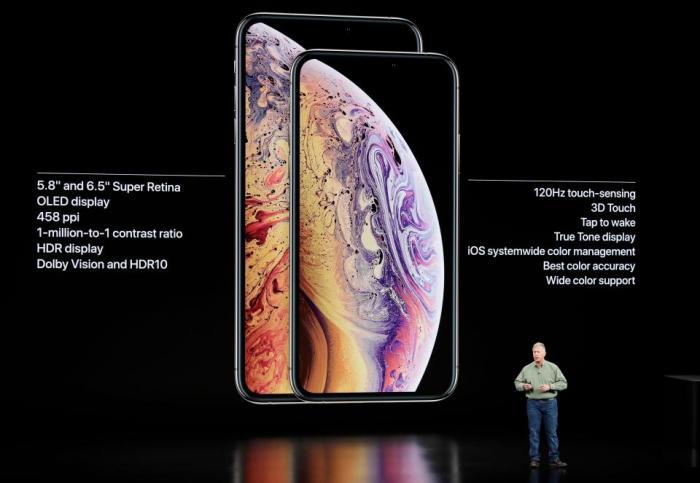 """iPhone XS și iPhone Xs Max, prezentate oficial. Specificații, prețuri, date de lansare. Tim Cook: """"E de departe cel mai avansat iPhone pe care l-am creat"""""""
