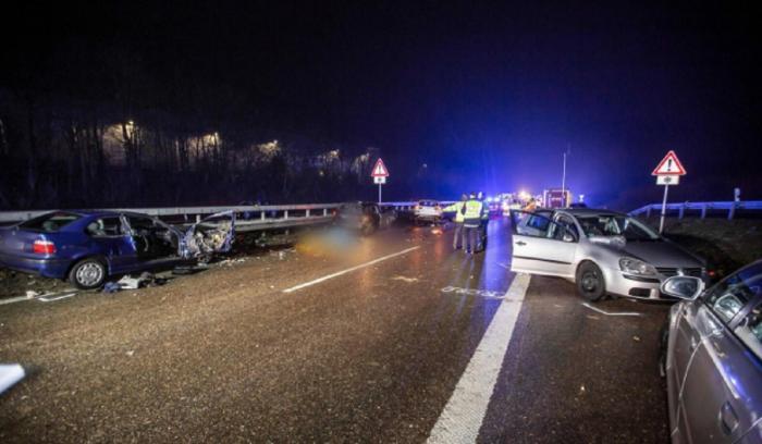 Doi morţi în accidentul din Germania