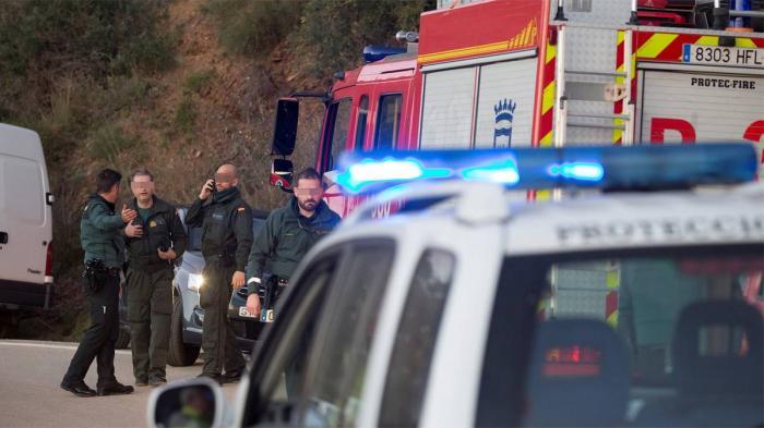 Un copil de 2 ani a căzut într-o fântână adâncă de 100 de metri, în Spania. Micuţul este blocat în puţul îngust de duminică seară (Video)