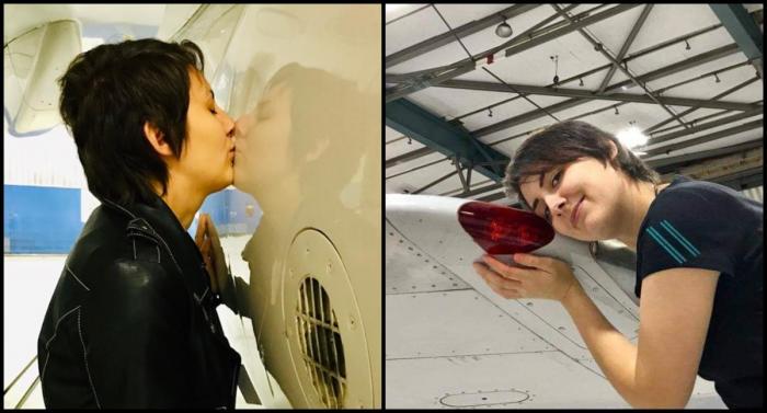 Femeie îndrăgostită de un Boeing 737