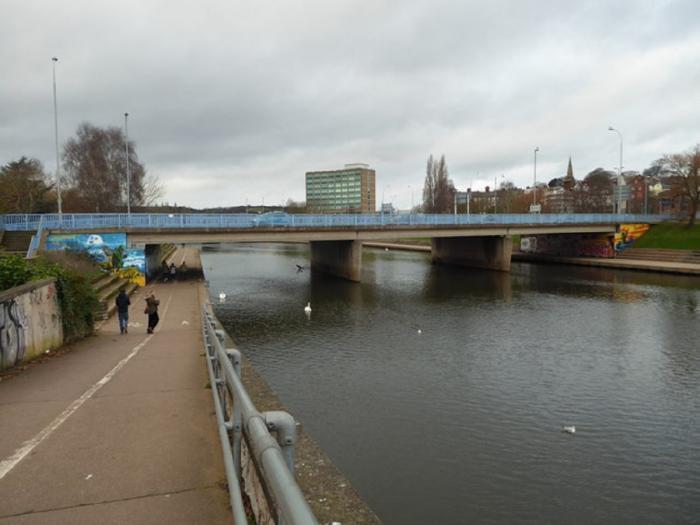 Bărbatul a vrut să se arunce de pe podul Exe, în Exeter
