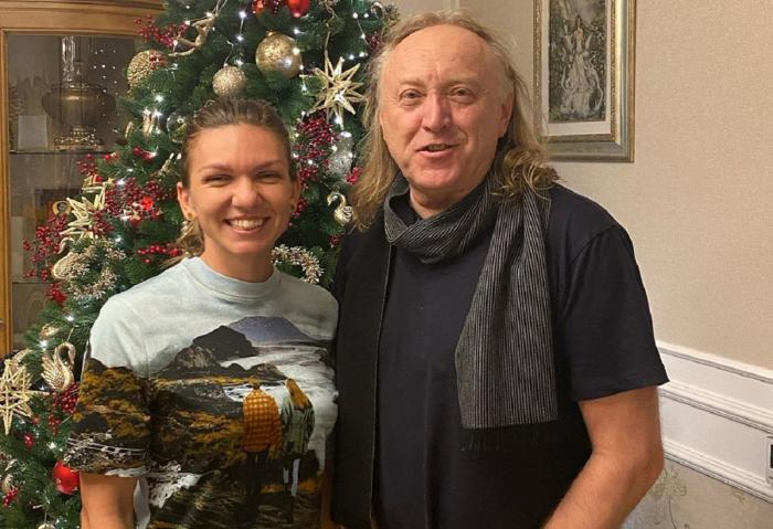 Simona Halep şi Ştefan Hruşcă, în casa ei, lângă brad