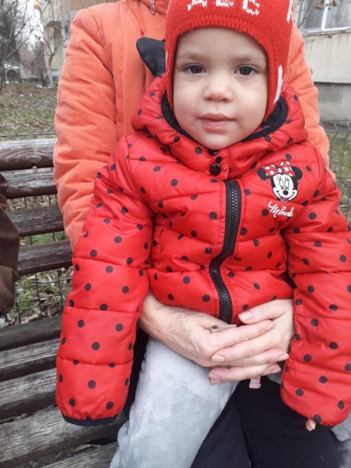 Mamă și fiică de 2 ani din Valea Călugărească, dispărute de acasă. Apelul polițiștilor din Prahova