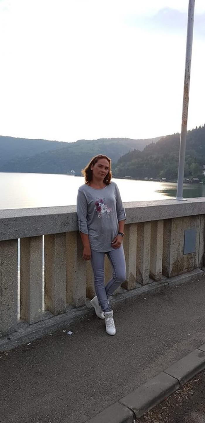 Detalii teribile despre crima de la Fărcaşa. Gabriela a fost găsită fără viaţă de fiul ei de 14 ani