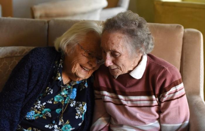 Nora şi Eileen s-au revăzut după şapte decenii la azil