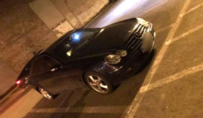 O fată din Cluj, înşelată de iubit, s-a răzbunat pe maşina acestuia