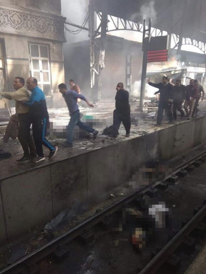 Explozie la un tren în Cairo