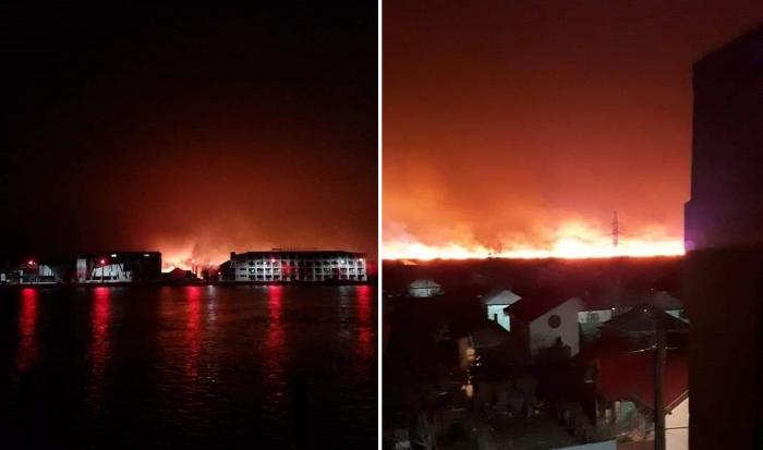 Incendiul de lângă Sulina văzut din zona locuită a orașului