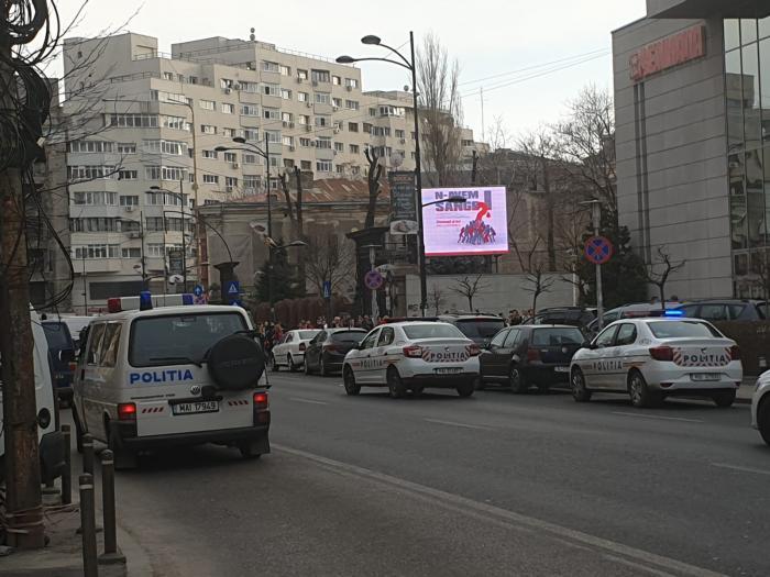 Amenințare cu bombă la Hotel Sheraton, în București. Poliția a intervenit