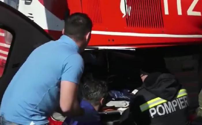 Daniel e pompierul care a salvat victimele accidentului de la Lunca Corbului. Abia ieşise din tură (video)