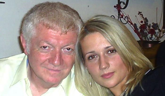 Italian înşelat cu 100.000 de € de o blondă din Roman care i-a promis iubire eternă