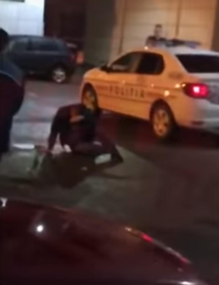 Bodyguarzii unui club vasluian au bătut doi tineri, ca să le convingă iubitele să facă videochat