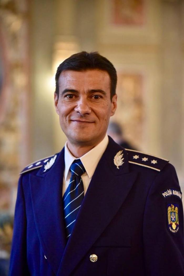 """Florian Eniţă este """"Poliţistul Anului"""". A prins în timp record un criminal periculos care incendiase o femeie, în Bucureşti"""