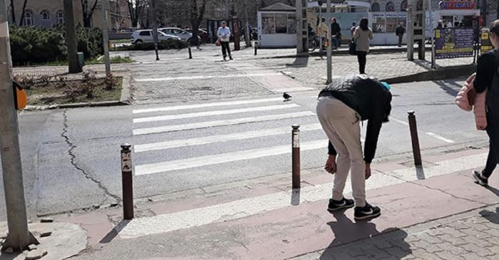 Fenomenul 'Zombie' face ravagii în Timişoara. Tineri paralizaţi pe străzi din cauza ţigărilor cu otravă (Video)