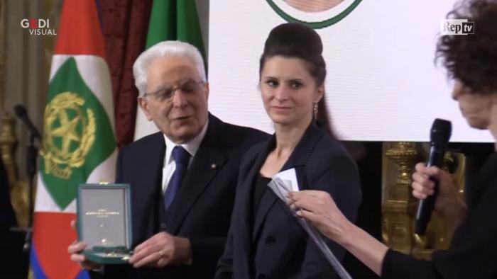 Româncă declarată eroină, în Italia. Roxana s-a luptat şi a trimis la închisoare patru membri ai clanului Casamonica (Video)