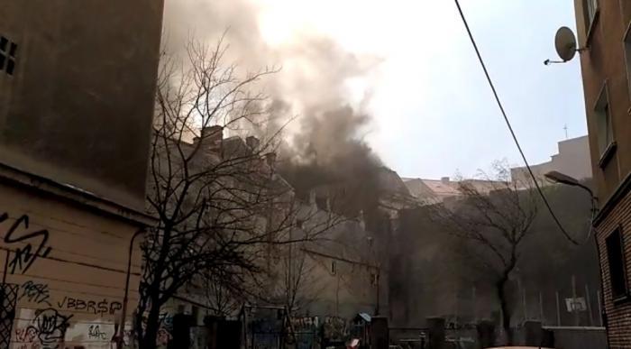 Incendiu puternic în zona Kogălniceanu din Bucureşti