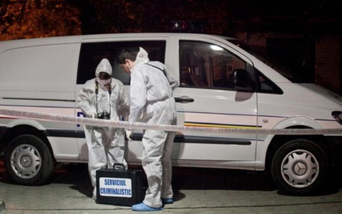 Un bărbat din Olt şi-a omorât soția, de Ziua Femeii. Fiica şi-a găsit mama moartă, înjunghiată în inimă