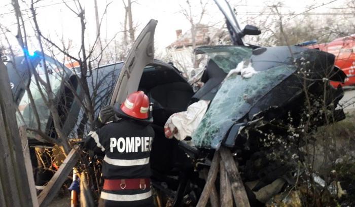Accident cu doi morţi la Tetoiu, în Vâlcea