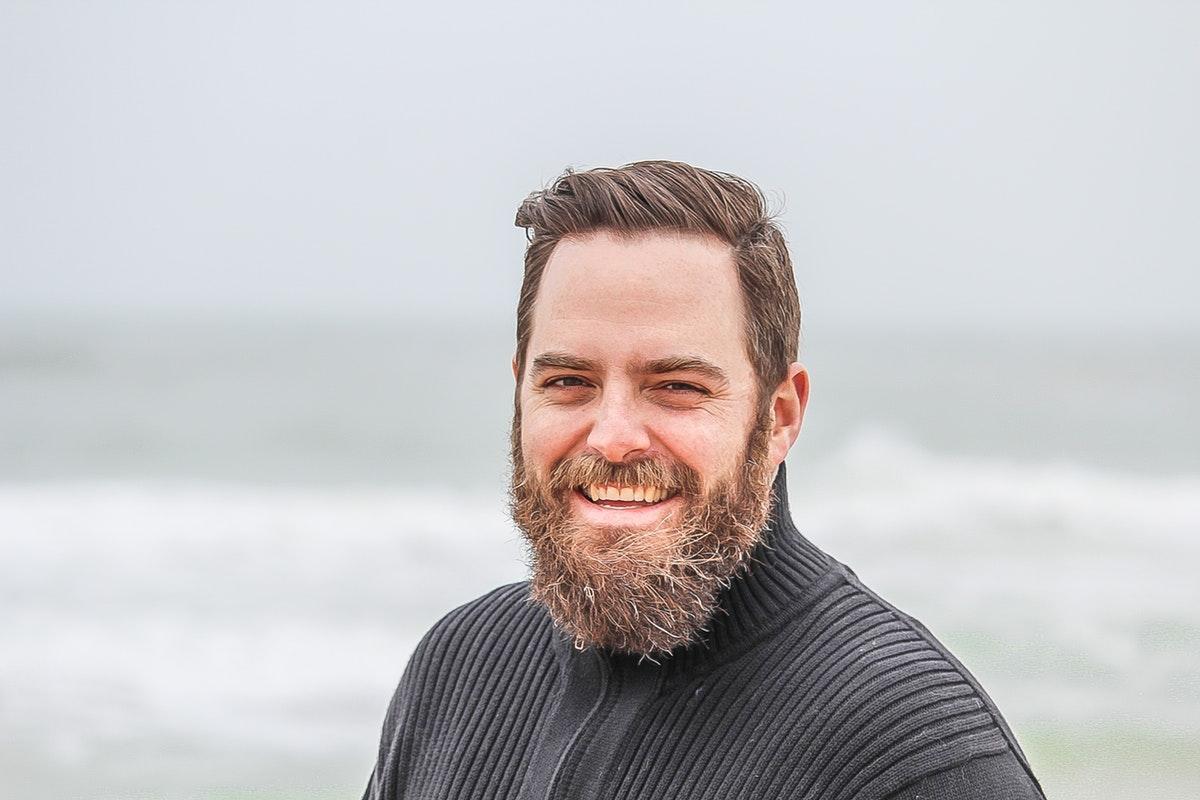 Ce sunt barba ii care se uita la site urile de dating