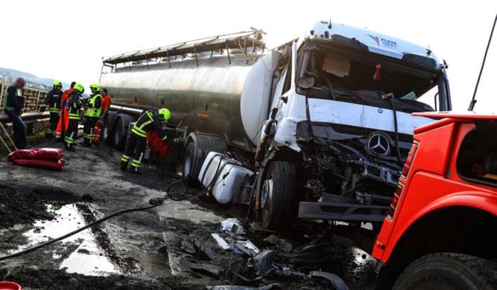 Un şofer român a închis o autostradă din Austria după un grav accident
