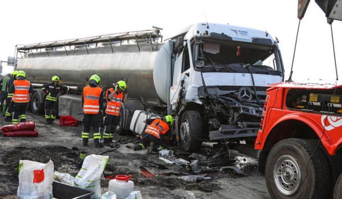 Şoferul român a fost implicat într-un accident pe autostradă în Austria