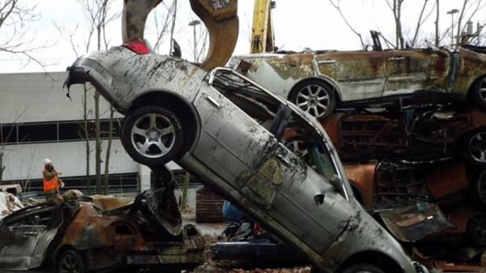 Român jefuit pe o şosea din Italia şi lăsat fără BMW-ul seria 5. Maşina, găsită la fier vechi