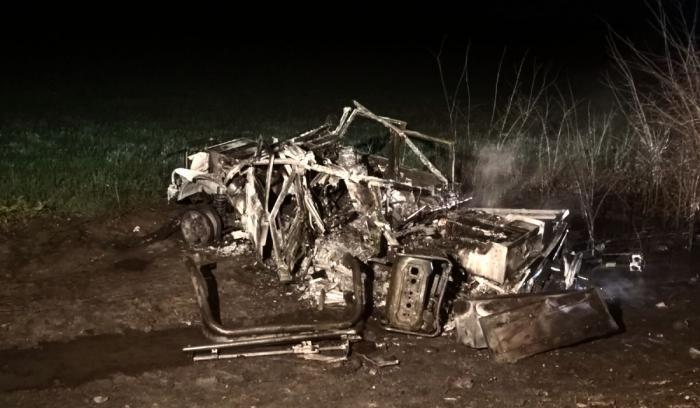 Maşină electrică de 120.000€, scăpată într-un şanţ pe A2 şi distrusă